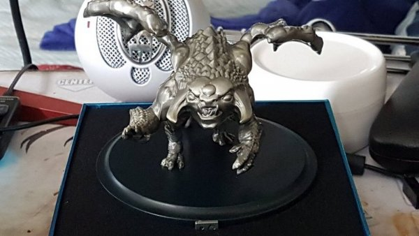 Valve заменит фанатам Dota 2 уродливую статуэтку Рошана