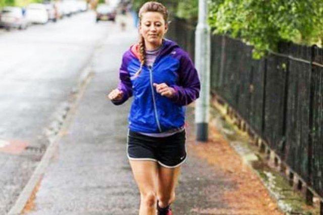 Эми Хьюз за 53 дня пробежала 53 марафона