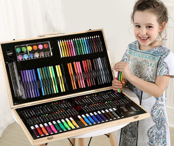 Художественные наборы для рисования в чемоданчике